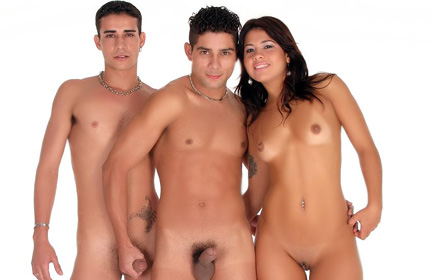 Rubis Hot Bisexual Threesome
