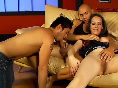 Anne Parker e due maschi bisessuali